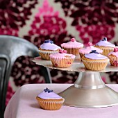 Rose and violet cupcakes