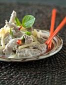Curry mit Schweinefleisch und Bambussprossen