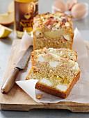 Apple, ham and goat's cheese savoury cake
