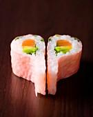 Salmon-avocado pink soya leaf makis