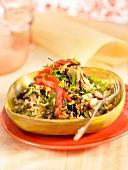 Gebratener Reis mit Arame-Algen, Pilzen und Paprika
