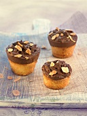 Almond and chocolate mini cakes
