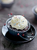 Chocolate-banana cupcake