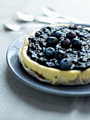 Vanilla cheesecake with bilberries
