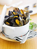Mussels with chili pepper
