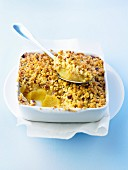 Vanilla-flavored pinepple puree crumble