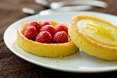 Raspberry and lemon curd tartlets