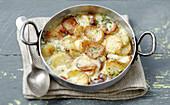 Truffade (Kartoffelpfanne mit Speck und Käse, Auvergne)