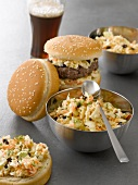 Hamburger mit Cole Slaw