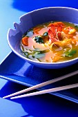 Shrimp and vermicelli Chinese soup