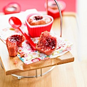 Heart-shaped strawberry jam moist cake