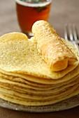Baghrir, marokkanische Pfannkuchen mit Honig