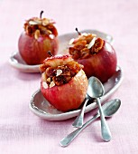 Baked apples filled with figs and almonds