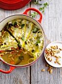 Gemüsekuchen mit Pinienkernen, nach Art einer Ratatouille