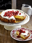 Cheesecake with diced pears stewed in red wine
