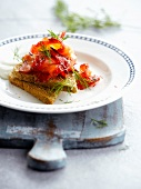 Salmon gravlax on brown bread