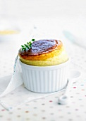 Roquefort and pears caramelized in Gewurztraminer soufflé