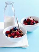 Cereals with fresh summer fruit