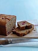 Walnut flour and raspberry cake