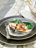 Grilled oysters with cooked lettuce