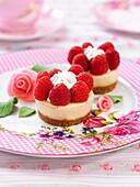 Raspberry cheesecake-style cupcakes