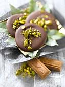 Pralinoise Poulain Dessert and pistachio Mendiants