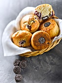 Mini Oréo biscuit and summer fruit muffins