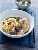 Chicken in creamy morel sauce, tagliatelles with diced bacon