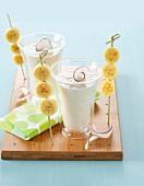 Ananas-Bananen-Kokosmilch-Smoothie