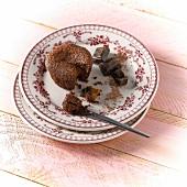 Luftiges Schokoküchlein mit Karamellkern