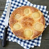 Amandine-pear pie