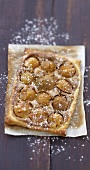 Mirabelle plum and Speculos gingerbread biscuit tart