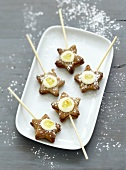 Star-shaped biscuit,white chocolate and marmelade pops