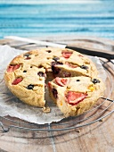 Oatmeal, summer fruit and honney pie