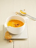 Cream of carrot and ginger soup