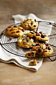 Seedy pumpkin and dried fruit cookies