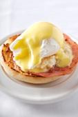 Egg Benedict (Pochiertes Ei mit Mayonnaise)