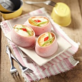 Egg and ham in aspic