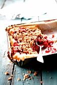 Raspberry-rhubarb crumble