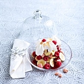 Raspberry, banana and Biscuits roses de Reims trifle