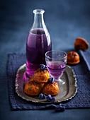 Violet mini cakes