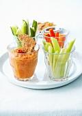 Gemüsesticks mit Paprika-Dip