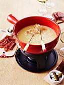 Cheese fondue with Freiburg Vacherin cheese
