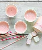 Erdbeersmoothie mit Marshmallows