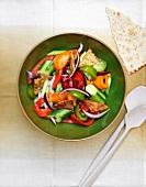 Salade Fattouche (Libanesischer Brotsalat mit Gemüse)