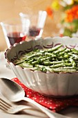 Green beans in creamy parsley sauce