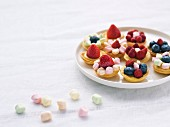 Fruit and marshmallow mini tartlets