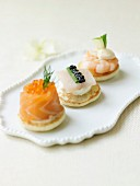 Seafood blinis