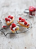 Petit-suisse mousse and raspberry boats