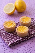 Mini lemon curd pies
